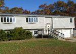 Casa en Remate en Port Jefferson Station 11776 UNIVERSITY DR - Identificador: 3457493470