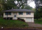 Casa en Remate en Gower 64454 KENNEDY DR - Identificador: 3490059461