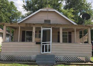 Casa en Remate en East Alton 62024 PINE ST - Identificador: 1191977491