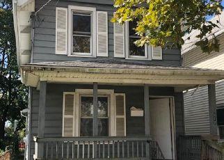 Casa en Remate en Gloucester City 08030 SOMERSET ST - Identificador: 1413102684