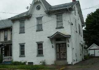 Casa en Remate en Berwick 18603 E FRONT ST - Identificador: 2725500521