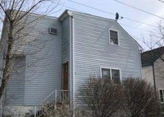 Casa en Remate en Fall River 02721 ABERDEEN ST - Identificador: 3604949231