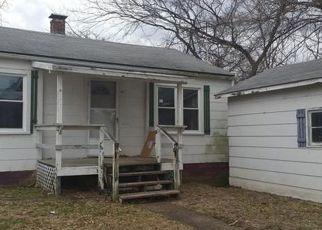 Casa en Remate en Mulberry Grove 62262 W WALL ST - Identificador: 3714430472