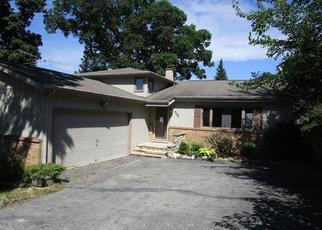 Casa en Remate en Oakwood Hills 60013 LAKE SHORE DR - Identificador: 3838749390