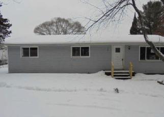 Casa en Remate en Farwell 48622 PINE TREE DR - Identificador: 3913654326