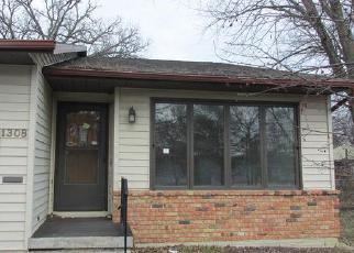Casa en Remate en Cedar Falls 50613 RAINBOW DR - Identificador: 3934074426