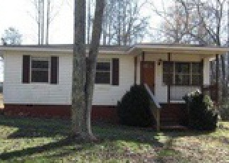 Casa en Remate en Pell City 35128 CAMP WINNATASKA RD - Identificador: 3943110713