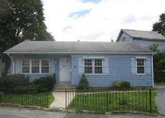Casa en Remate en Central Falls 02863 MOWRY ST - Identificador: 3982420183