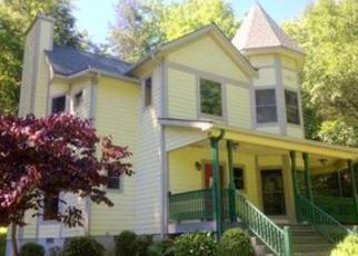 Casa en Remate en Burnsville 28714 HORTONS CREEK RD - Identificador: 4027475901