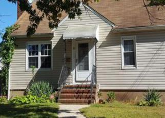 Casa en Remate en Rockville Centre 11570 DEKOVEN ST - Identificador: 4062657913
