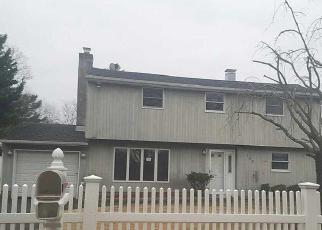 Casa en Remate en Oakdale 11769 BONNIE RD - Identificador: 4083338146