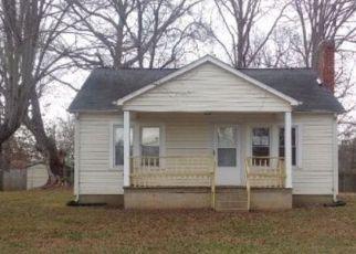 Casa en Remate en Lenoir 28645 SMOKEY CREEK RD - Identificador: 4099762624
