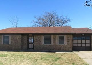 Casa en Remate en Henrietta 76365 N HOOK ST - Identificador: 4109853996