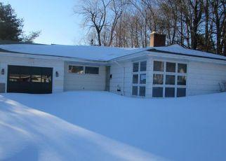 Casa en Remate en Auburn 04210 POLAND RD - Identificador: 4121772566