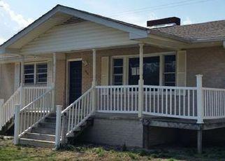 Casa en Remate en Hendersonville 28792 HOLLY TREE CIR - Identificador: 4125988955
