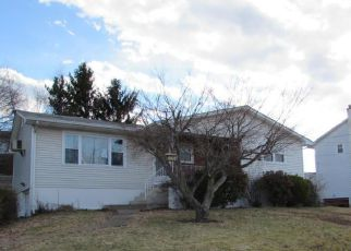 Casa en Remate en Olyphant 18447 W SWALLOW ST - Identificador: 4129845745