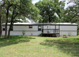 Casa en Remate en La Vernia 78121 HICKORY HILL DR - Identificador: 4131843332
