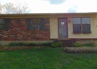 Casa en Remate en Pewee Valley 40056 HILLSIDE DR - Identificador: 4134364318