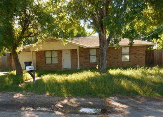 Casa en Remate en Floresville 78114 LONGBRANCH DR - Identificador: 4134512352