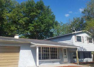 Casa en Remate en Tampa 33615 CREST HILL DR - Identificador: 4137161213