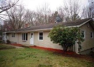 Casa en Remate en Foster 02825 E KILLINGLY RD - Identificador: 4139637977