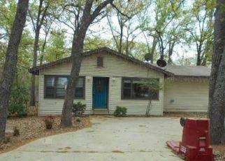 Casa en Remate en Quinlan 75474 LAKE FAIR DR - Identificador: 4140879176