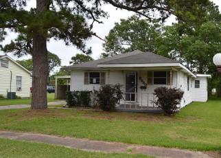Casa en Remate en Groves 77619 VERDE ST - Identificador: 4148414530