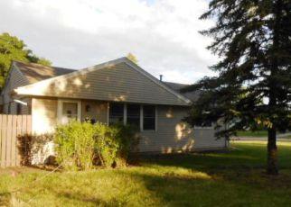 Casa en Remate en Minneapolis 55432 MOORE LAKE DR W - Identificador: 4154737558