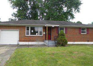 Casa en Remate en Louisville 40216 GARVEY DR - Identificador: 4157715783