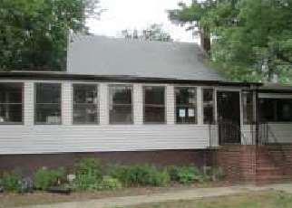Casa en Remate en Suitland 20746 PINE GROVE DR - Identificador: 4157748182