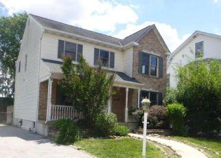 Casa en Remate en Holmes 19043 ACADEMY AVE - Identificador: 4158688518