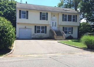 Casa en Remate en Huntington Station 11746 E 10TH ST - Identificador: 4159339792