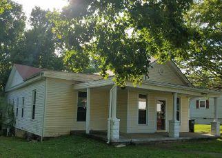 Casa en Remate en Charlestown 47111 SPRING ST - Identificador: 4159475108