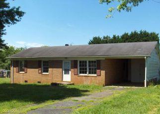 Casa en Remate en Dobson 27017 SNOW HILL DR - Identificador: 4197597244