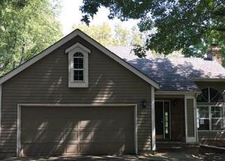 Casa en Remate en Blue Springs 64015 NW 41ST ST - Identificador: 4208166438