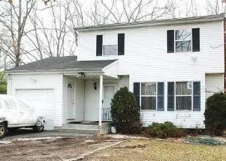 Casa en Remate en Brentwood 11717 AMERICAN BLVD - Identificador: 4208393306