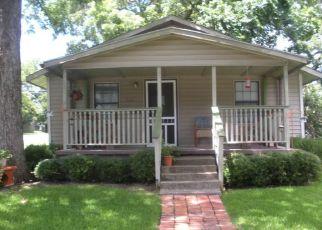 Casa en Remate en Denison 75020 W BOND ST - Identificador: 4213475113
