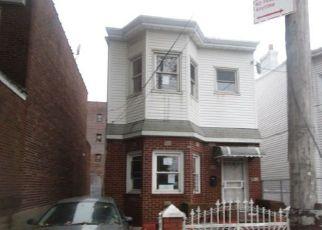 Casa en Remate en Ozone Park 11417 98TH ST - Identificador: 4216496262