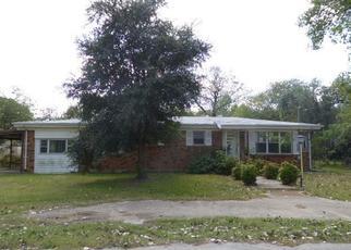 Casa en Remate en Azle 76020 WALNUT CREEK DR - Identificador: 4224678950
