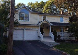 Casa en Remate en Centerport 11721 MARTHA CT - Identificador: 4225034123