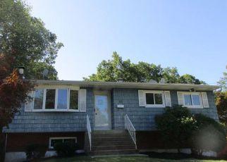 Casa en Remate en Patchogue 11772 SHARON DR - Identificador: 4232142901