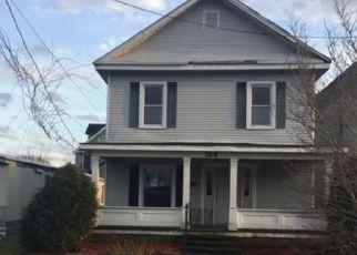 Casa en Remate en Louisa 41230 W PERRY ST - Identificador: 4253212505