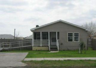 Casa en Remate en Seguin 78155 ROOSEVELT DR - Identificador: 4255383994