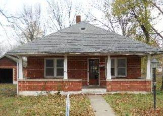 Casa en Remate en Greenfield 65661 WELLS ST - Identificador: 4263336716
