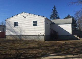 Casa en Remate en Brentwood 11717 JACKSON AVE - Identificador: 4267240823