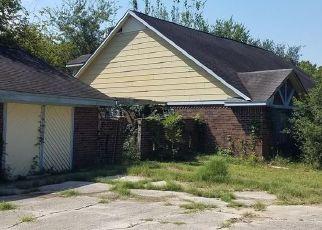 Casa en Remate en Damon 77430 PECAN BEND RD - Identificador: 4270212914