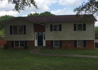 Casa en Remate en Claremont 28610 HUNSUCKER DR - Identificador: 4272792574