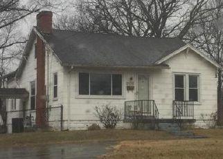 Casa en Remate en Louisville 40216 AUBURN DR - Identificador: 4281375995