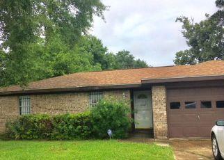 Casa en Remate en Beaumont 77706 FOLSOM DR - Identificador: 4281615105