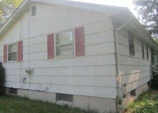 Casa en Remate en Weatogue 06089 SIMSBURY MANOR DR - Identificador: 4282914139